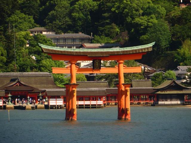 torii_water